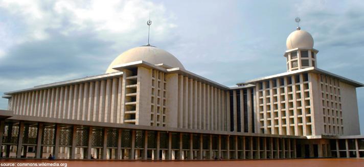 10 Masjid Bersejarah Di Indonesia